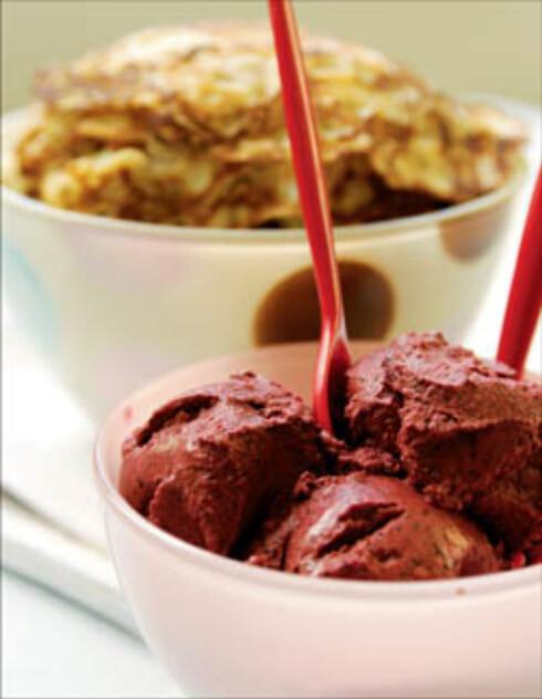Pannekaker med blåbær-yoghurtis