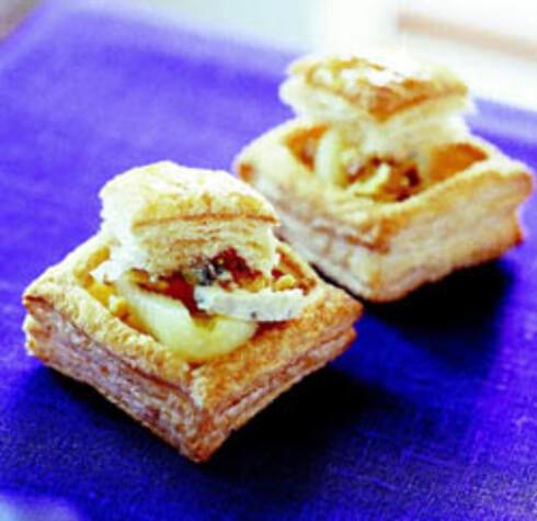 Butterdeig med pære og blåost