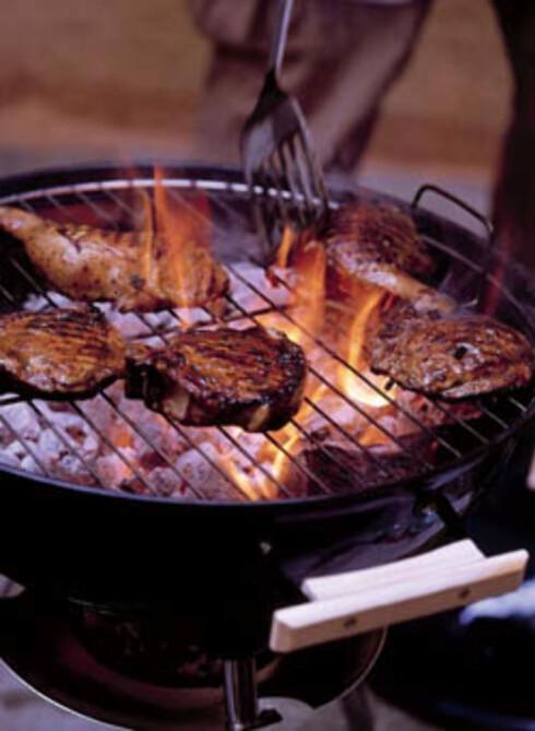 Grillet kylling og kotelett med appelsin-spisskummarinade