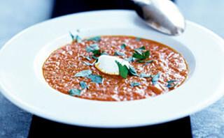 Tomatsuppe med pestobrød