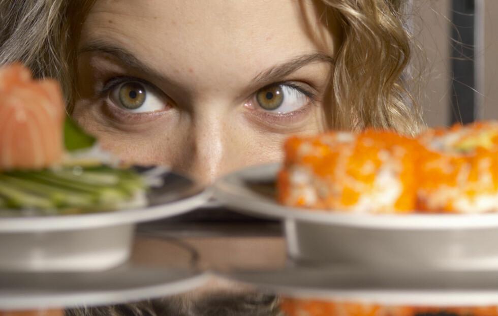 GIR DEN DEG KVISER? Sushi og skalldyr inneholder mye jod, som igjen kan gi flere kviser. Men hva er egentlig sannsynligheten for at disse matvarene faktisk gir deg kviser? Foto: Thinkstock