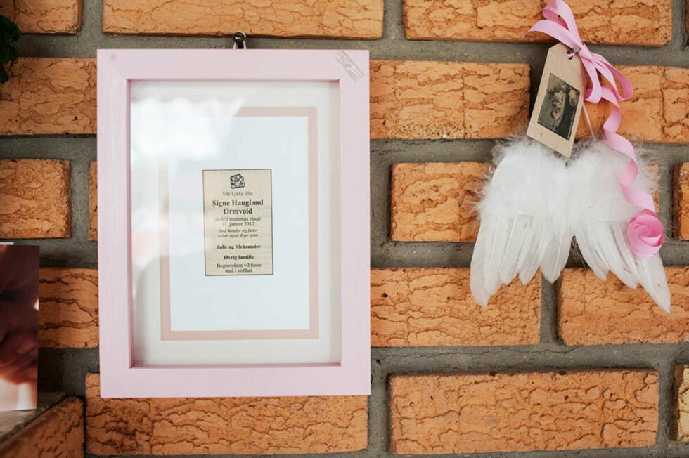 Til minne: Julie og Aleksander er også foreldre til en liten engel i himmelen.
