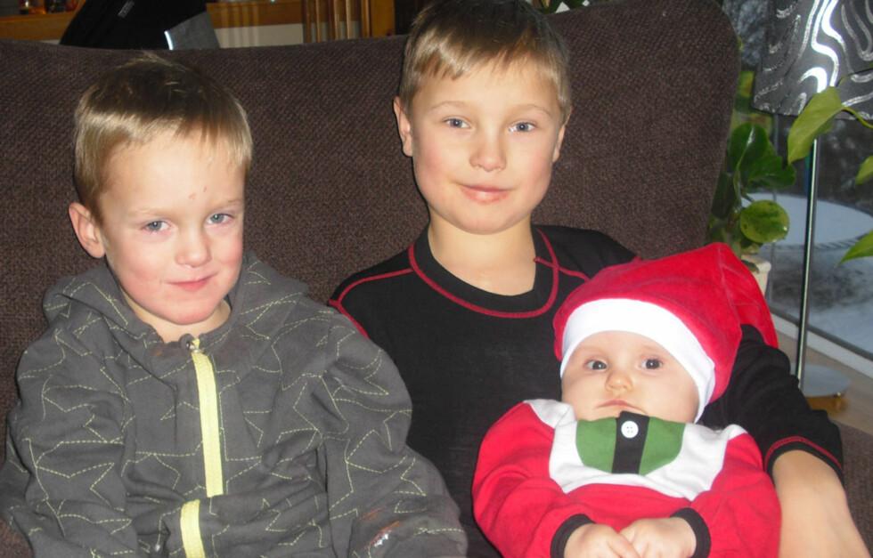 Tre go'inger: – Dette er Anines første jul, og den ble feiret «vanlig». Men vi har vært på sykehuset flere julaftener, forteller mamma Mette-Lise.