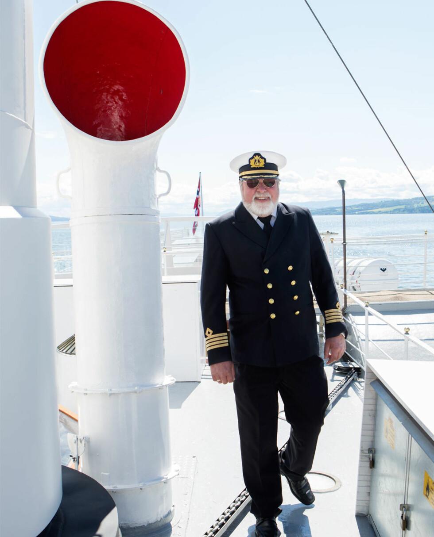 Stolt kaptein: Steinar Selanger har seilt på de syv hav i 46 år. Nå nyter han sitt otium på Mjøsa.