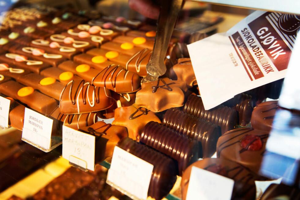 Sjokoladefabrikken: Er du i akevittland, så må du jo bare prøve akevittmarsipanen.