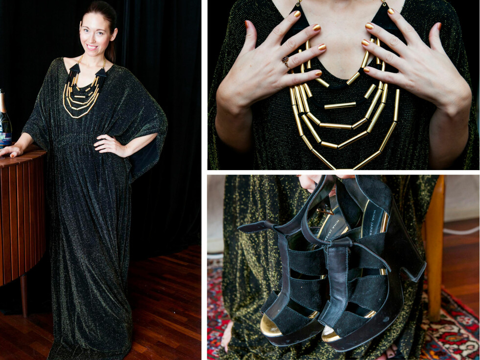 """FAOVRITTEN:Dette antrekket har Nina tenkt å ha på seg på nyttårsaften. Kaftan-kjolen, sko og smykker er fra hennes egen høst/vinterkolleksjon for 2012. Neglelakk og leppestift er fra Dior. - - Dette er det jeg skal ha på meg på nyttårsaften, og jeg simpelthen elsker denne kjolen. En kaftankjole passer, som nevnt, alle. Kombiner kjolen med et tøft smykke, høye hæler og en rød leppestift, så er du """"good to go"""". Og sleng en fuskepels over skuldrene hvis du skal ut.  Foto: Per Ervland"""
