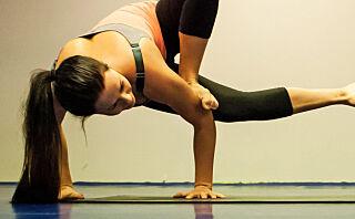Denne yogaen gjør deg knallsterk
