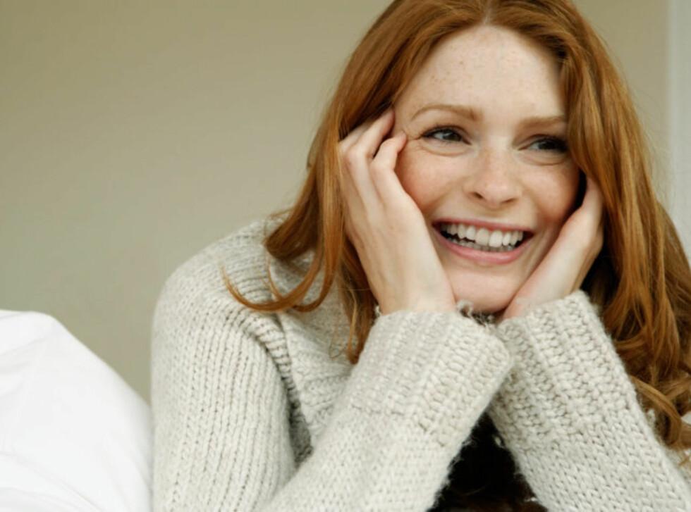 IKKE TA: Unngå å ta deg selv mye i ansiktet. Da kan du lettere unngå influensa- og forkjølelsevirus, samt kviser.  Foto: Getty Images