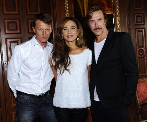 Mikael Persbrandt, Lena Olin og Tobias Zilliacus før høstens premiere på Hypnotisøren i Stockholm. Foto: All Over Press