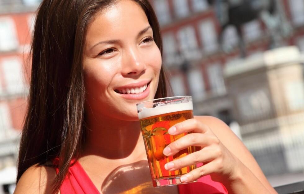 IKKE OVERDRIV INNTAKET: En ny studie viser at personer som har et risikabelt inntak av alkohol, faktisk kan redusere produksjonen av nye hjerneceller med så mye som 40 prosent.  Foto: Thinkstock.com
