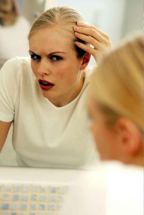 HÅRTAP: Stress kan føre til at du mister mer hår enn vanlig,og du merker det ikke nødvendigvis med en gang. Foto: Colourbox