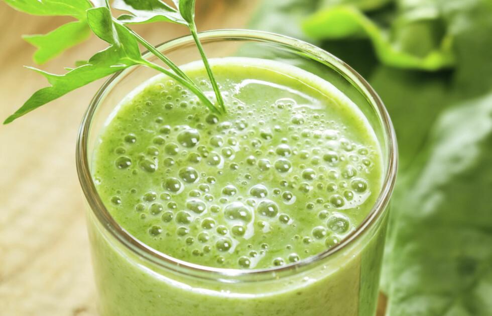 FORDELENE SAMLET I ÉN DRINK: Denne juicen har en blanding av appelsiner, kål, gulrøtter og ingefær - som alle har store fordeler for blodsirkulasjonen din. Foto: Thinkstock.com