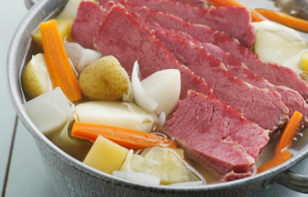 SPIS LAPSKAUS MED GOD SAMVITTIGHET: Kokt kjøtt er sunnere enn stekt og grillet kjøtt. Foto: Getty Images