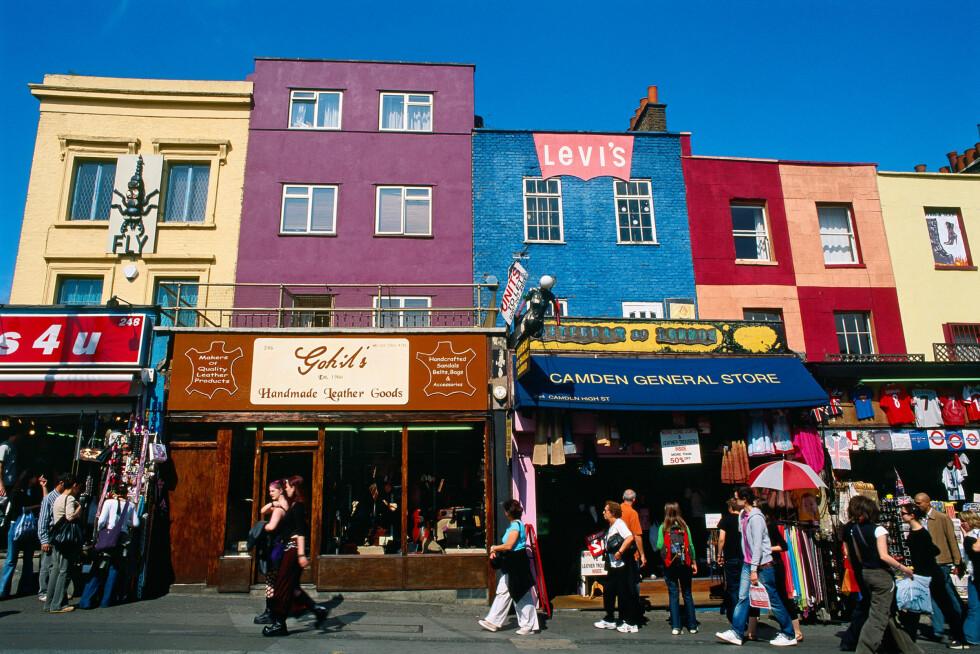 <strong>CAMDEN:</strong> Camden består både av fargerike, små butikklokaler som disse og et enormt utendørsområde med boder. Foto: All Over Press