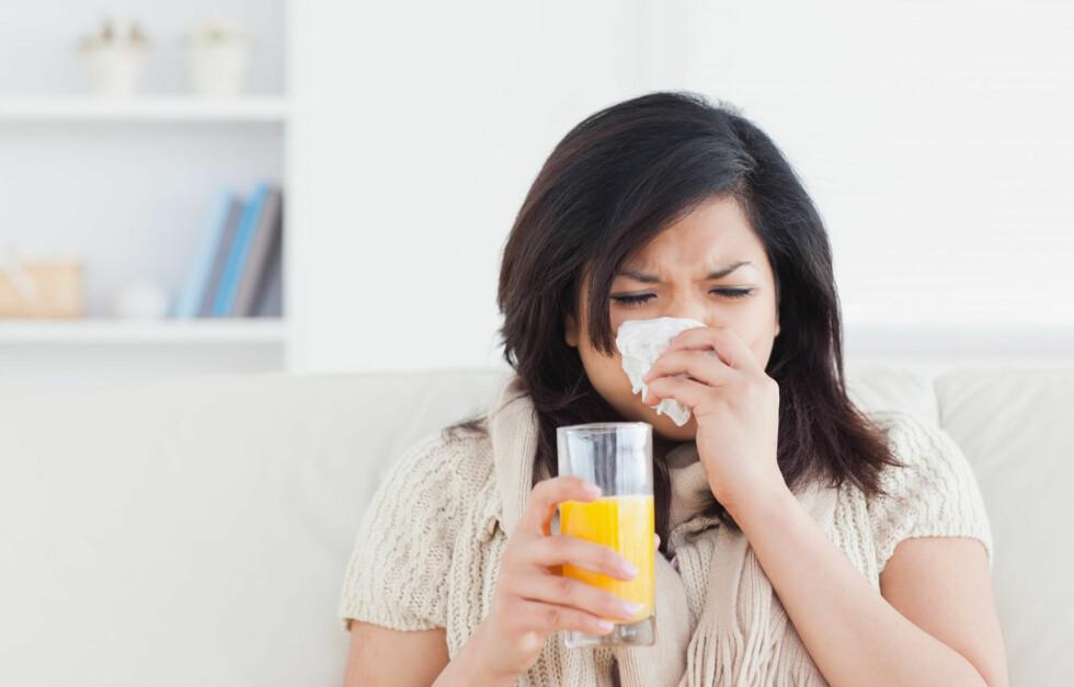 C-OVERDOSE? Forsvinner forkjølelsen fortere hvis du overdoserer inntaket av C-vitaminer?  Foto: PantherMedia / Wavebreakmedia ltd