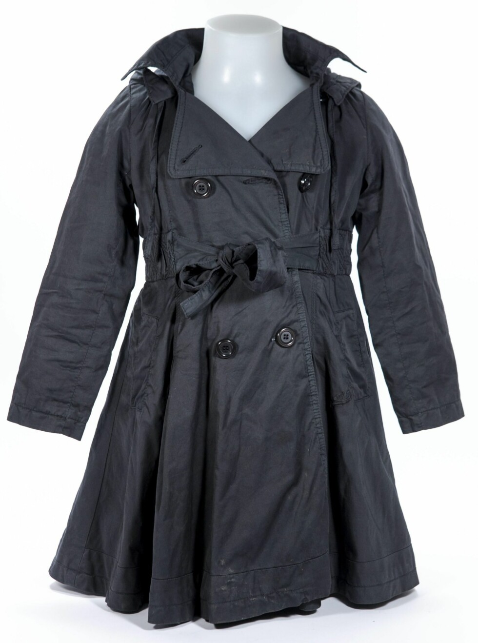 En sort kåpe/trenchcoat fra American outfitters, størrelse 6 år.