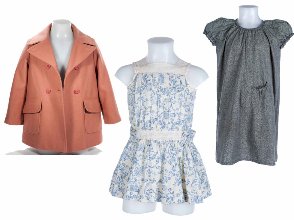 PRINSESSEKLÆR: Fra venstre ser du en rosa ullkåpe fra Petit Bateau,en blå og hvit sommerkjole med blonder fra Gocco og en grågrønn kjole fra Poppy Rose.