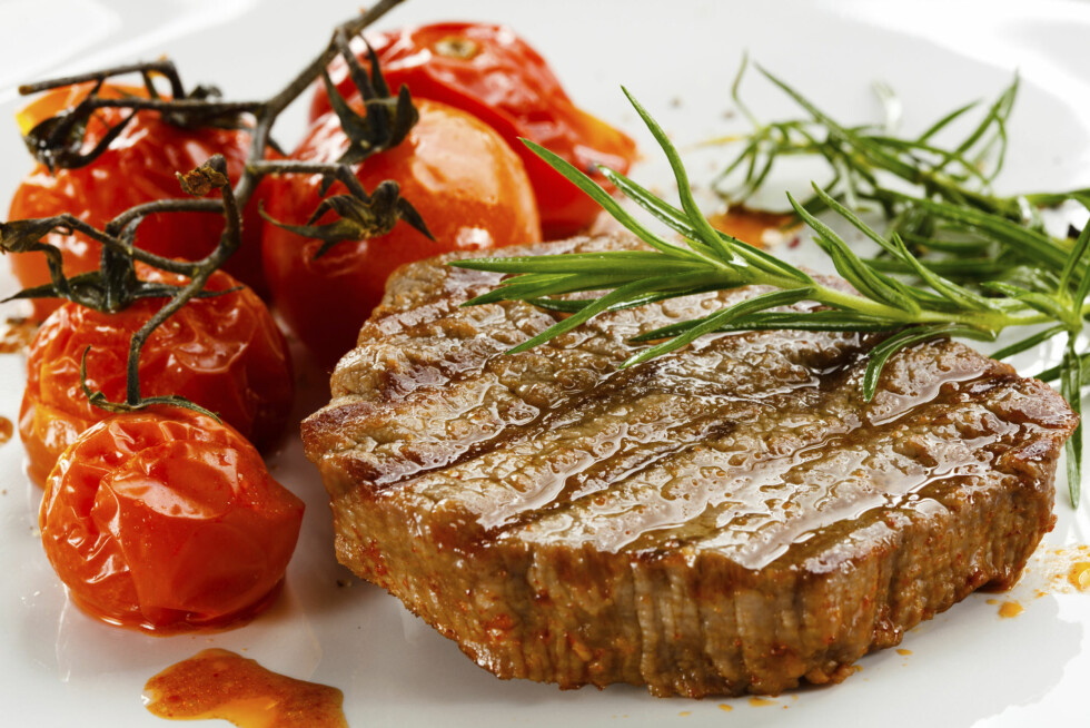 VARM DEM OPP: For å få best effekt av lykopeninnholdet i tomatene lønner det seg faktisk å varme de opp.  Foto: Thinkstock.com
