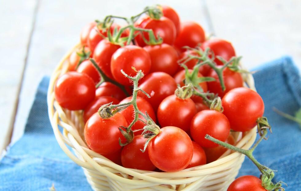 HERLIGE FRISTELSER: Tomater er friske, næringsrike og gode. I tillegg beskytter de mot en rekke ulike sykdommer - deriblant kreft, hjerte- og karsykdom, samt slag.  Foto: Colourbox