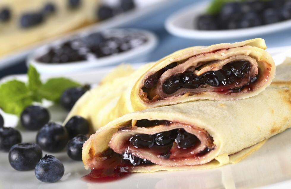 MÅ IKKE SERVERES MED SYLTETØY: Den finnes mange måter å gjøre pannekakene dine litt sunnere - det gjelder også hva du fyller dem med.  Foto: Getty Images/iStockphoto