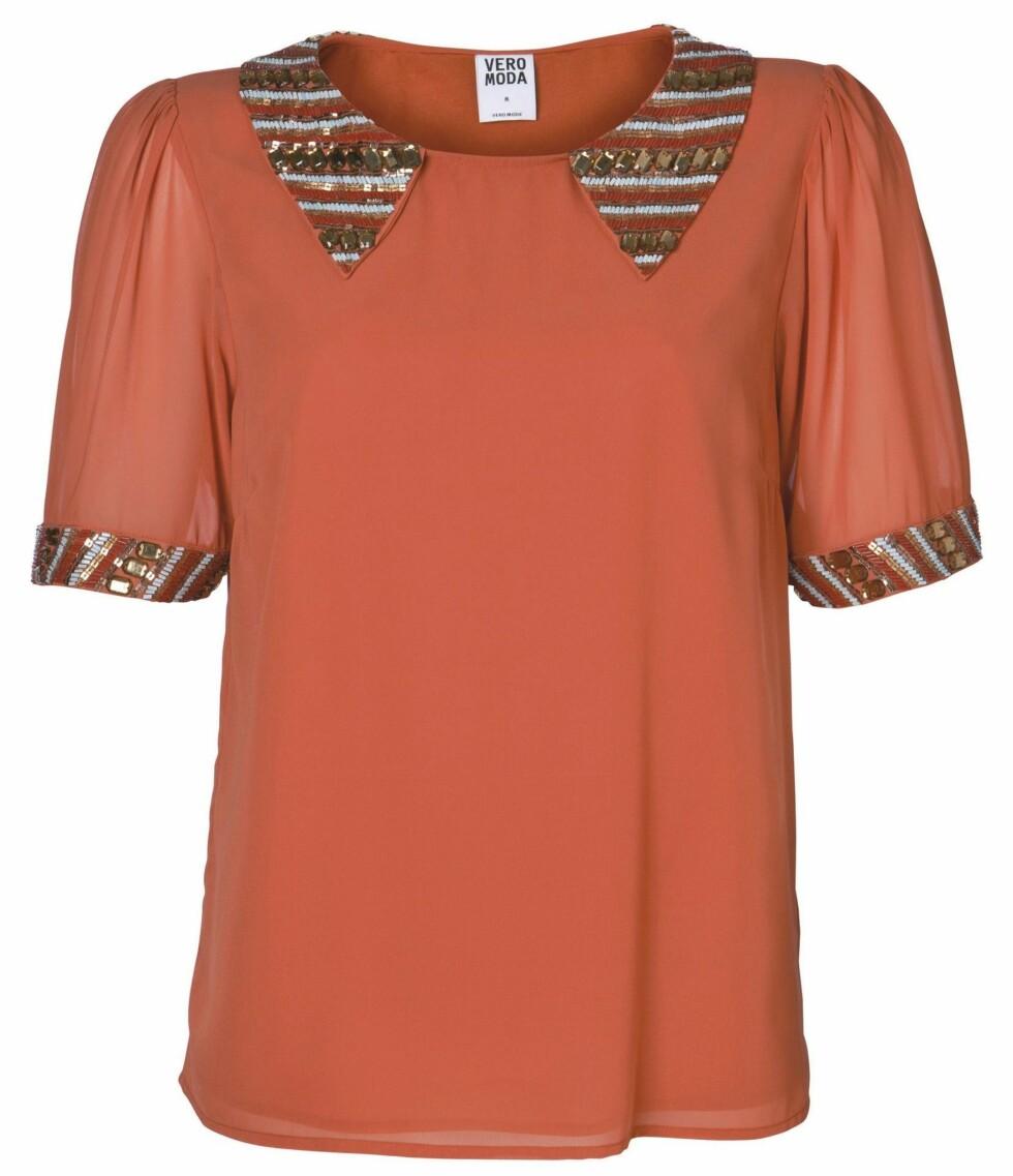 Kortermet bluse (kr 300, Vero Moda). Foto: Produsenten