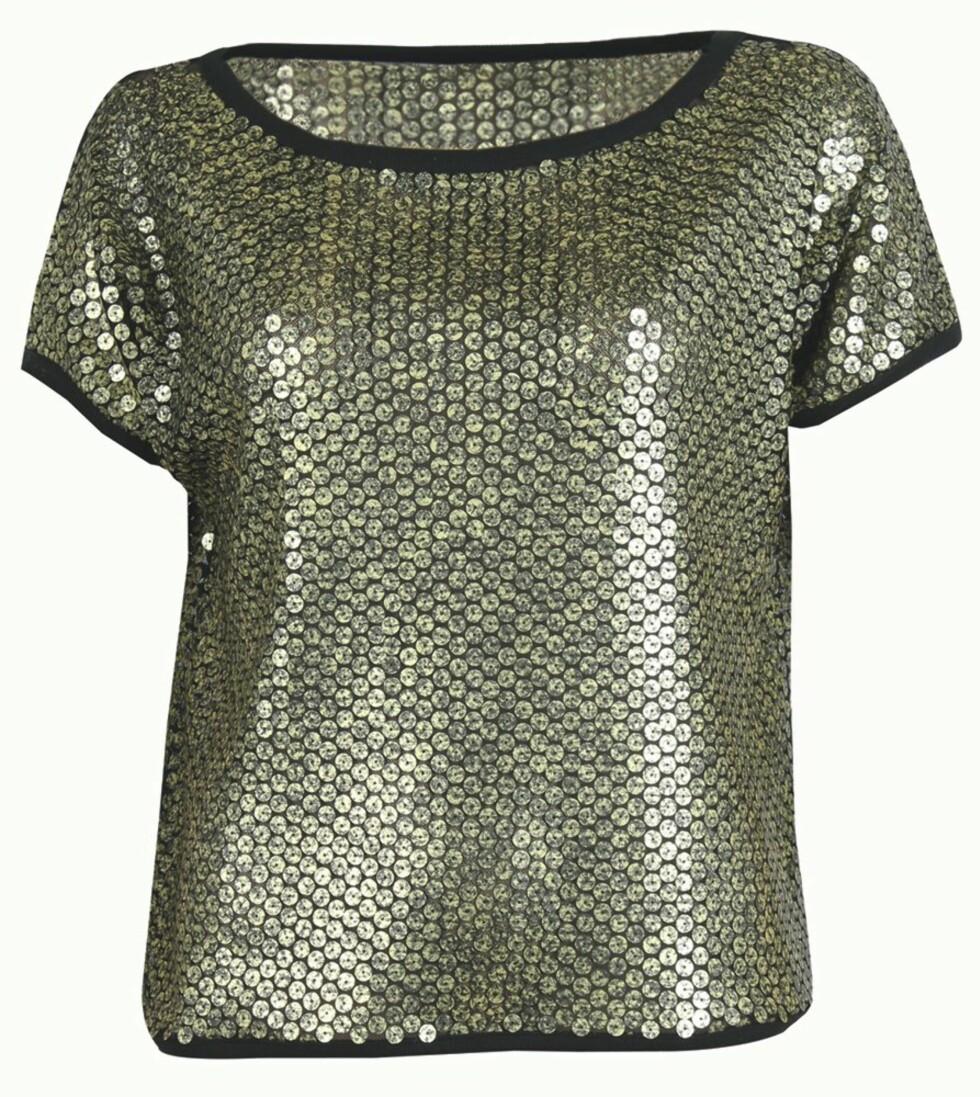 Metallisk topp (kr 600, Selected Femme). Foto: Produsenten