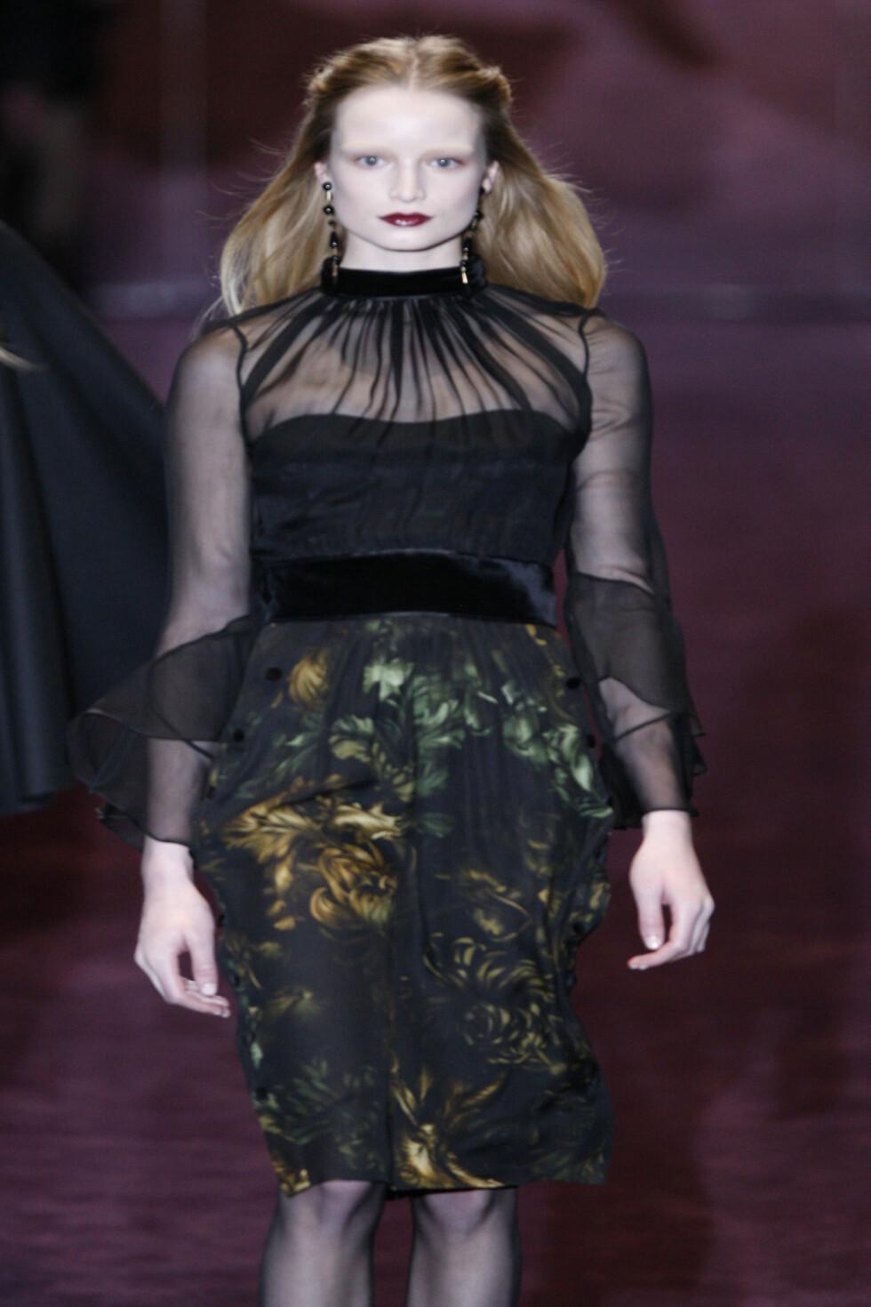 Gucci har gjemt blomstene under silken. Foto: All Over Press