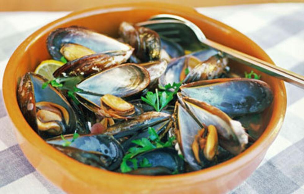 FRI TILGANG: Båtfolket har hele delikatessebutikken under seg. Båtmat kan gjøres både enkelt og godt.