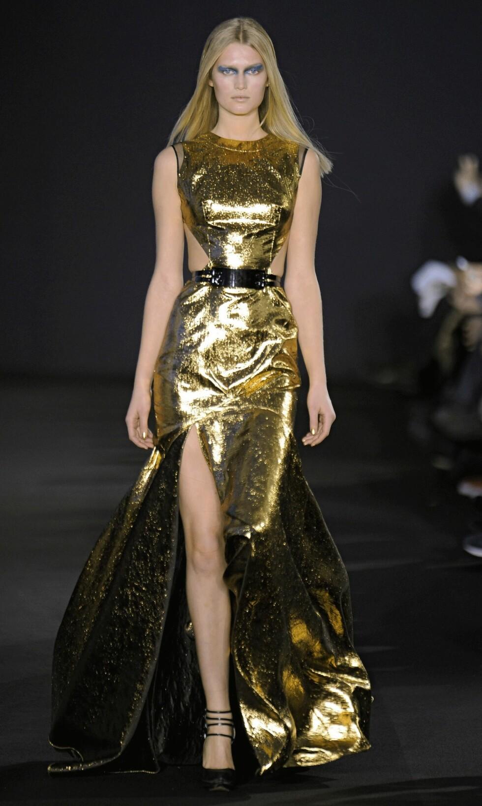 I denne kjolen fra Prabal Grung blir du garantert et midtpunkt. Foto: All Over Press