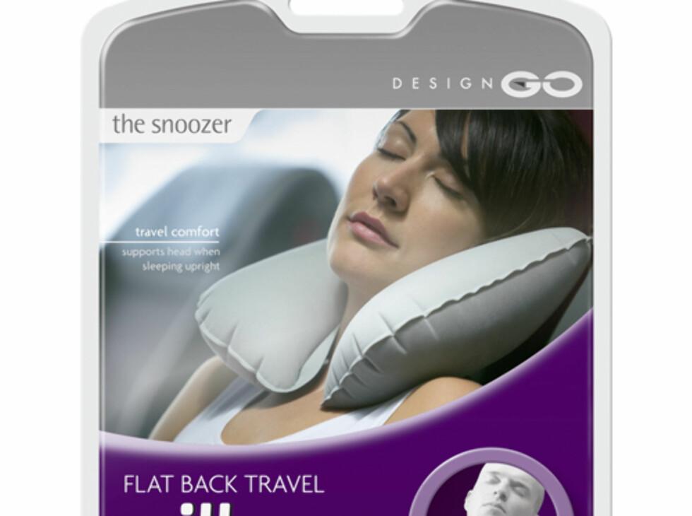 En oppblåsbar nakkepute sikrer deg en lur uten at du får kink i nakken. Ca. 90 kr. Foto: Travelsize.no
