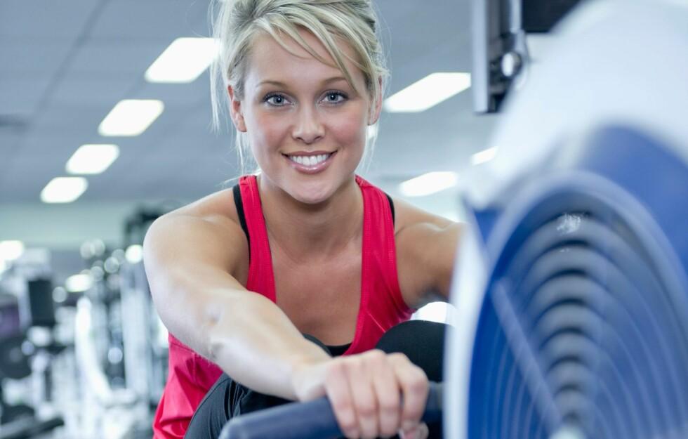 HØYT KALORIFORBRUK: Roing er en av treningsformene som gir høyest kaloriforbruk siden man bruker store deler av kroppen og jobber på høy intensitet. Foto: All Over Press
