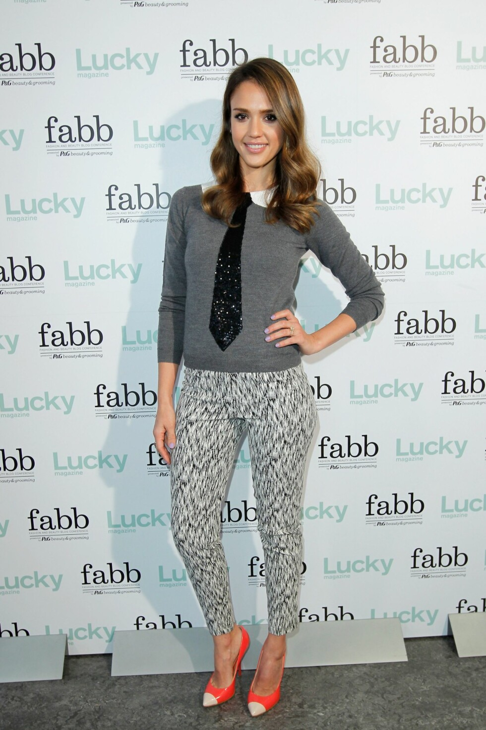 SANTA MONICA, CA - APRIL 30:  Actress Jessica Alba attends the Lucky Magazine Hosts First West Coast FABB: Fashion and Beauty Blog Conference held at Annenberg Beach House on April 30, 2012 in Santa Monica, California.  (Photo by Donato Sardella/WireImage) Foto: All Over Press