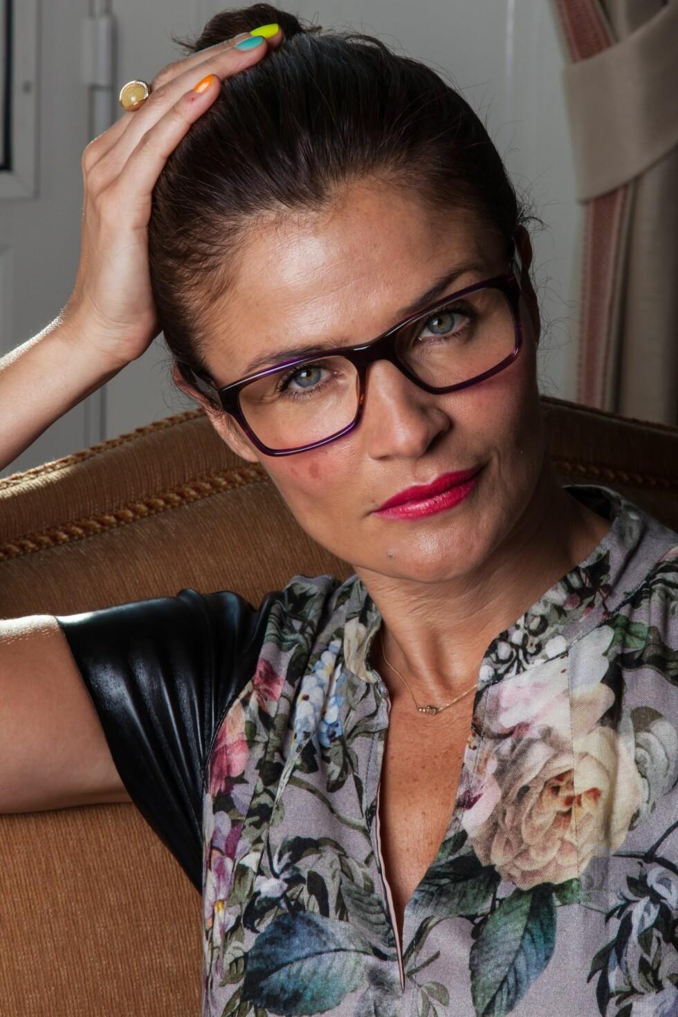 I OSLO: Helena Christensen var i Oslo tidligere i sommer i forbindelse med en kampanje for brillekjeden Specsavers. Foto: Pressebilde Specsavers