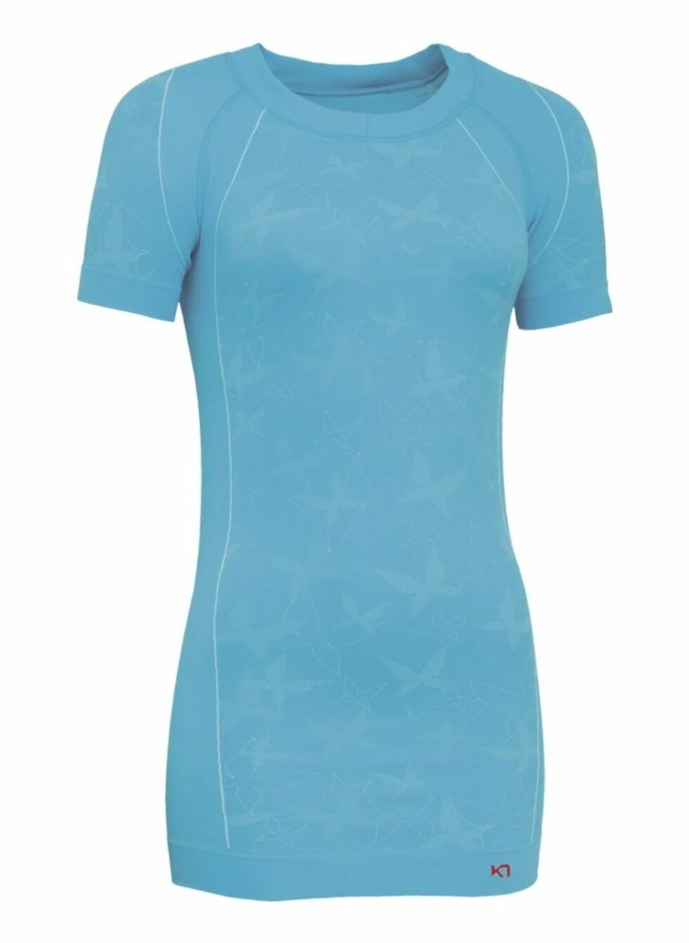 Kari Traa Butterfly tee. En sporty og lekker treningstskjorte med svettetransporterende effekt. 249 kroner fra xxl.no.  Foto: Produsenten