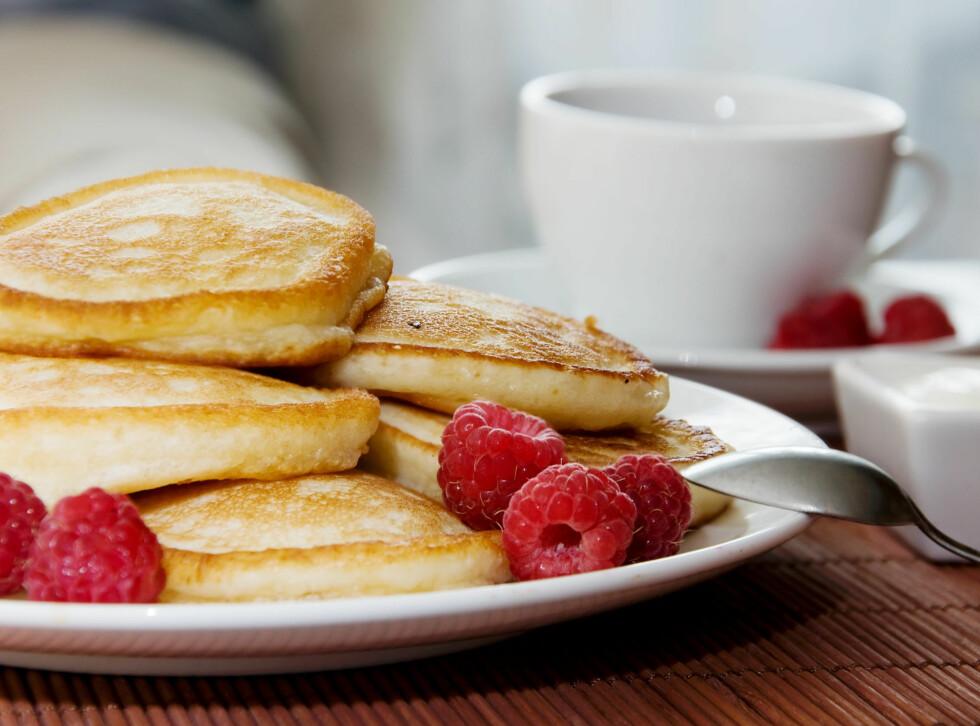 SPIS EN GOD FROKOST: Om morgenen er kroppen tappet for energi, derfor bør du spise en frokost som inneholder  fiber, omega-3, kalsium og vitamin D. Foto: Colourbox.com