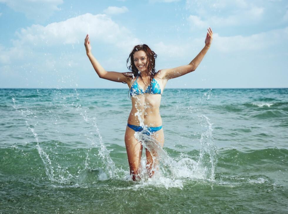 FINN MORSOMME AKTIVITETER: Ikke ha dårlig samvittighet for at du ikke får nok trening i ferien. Få kroppen i bevegelse med morsomme aktiviteter. Foto: Colourbox.com