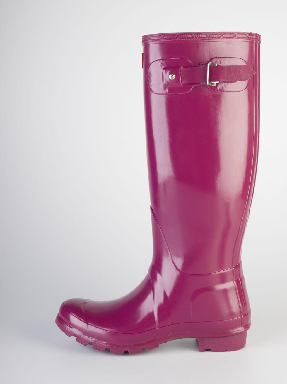 Glossy, bringebærrøde Hunter-støvler, kr 1449. Foto: Produsenten