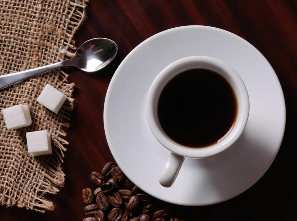 STORE MENGDER KAN HA SINE FORDELER: Ikke ha dårlig samvittighet hvis det ble mye kaffe i dag, det kan redusere risikoen for å rammes av Alzheimer. Foto: Colourbox.com