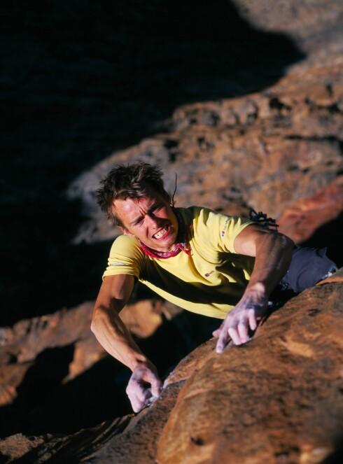 KLATRESTJERNE: 30 år gamle Leo Houlding fra Storbritannia er en av verdens mest kjente klatrere. Her i Sør Afrika. Foto: Berghaus