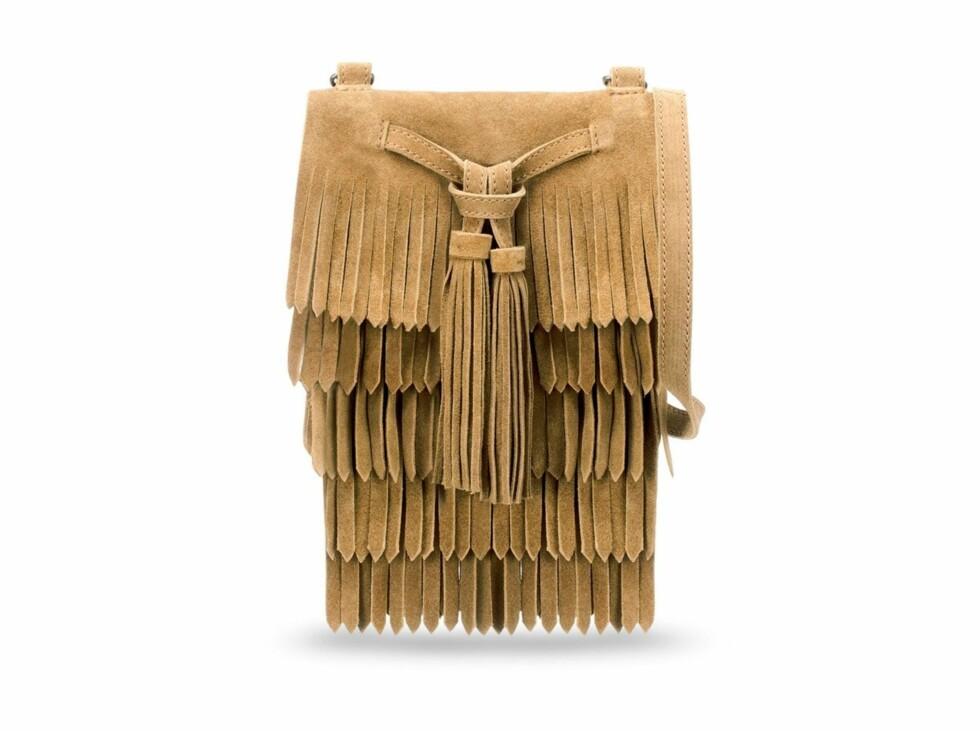 Kul skinnveske med frynser (260 kroner, Zara). Foto: Produsenten