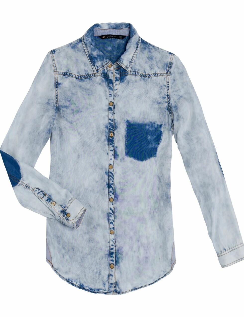 Kul denimskjorte i syrevask (300 kroner, Zara).  Foto: Produsenten