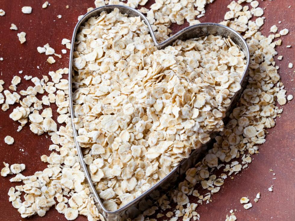 SUNN MAT TRENGER IKKE VÆRE DYRT: Havregryn koster ikke mye, men gir deg fortsatt masse av mineralene og vitaminene kroppen din trenger. Foto: Colourbox.com