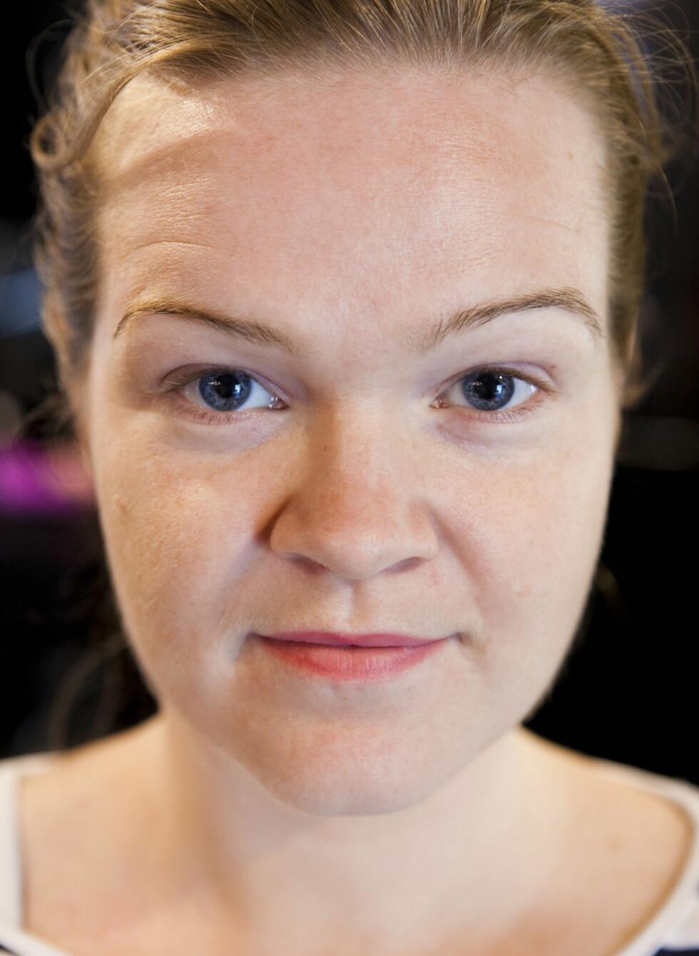 FØR: Slik så øyebrynene til KK.no-journalist Aina ut før bryneksperten satte i gang. Foto: Per Ervland