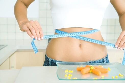 SLANKING HJELPER: Studier har vist at slanking kan få hjernen til å fungere «normalt» igjen.  Foto: colourbox.com