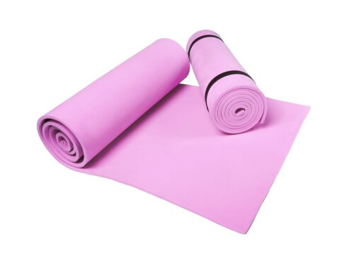 <strong>GOD STØTTE:</strong> En yoga- eller treningsmatte gir god støtte for rygg, og gjør at du ikke sklir rundt på gulvet.