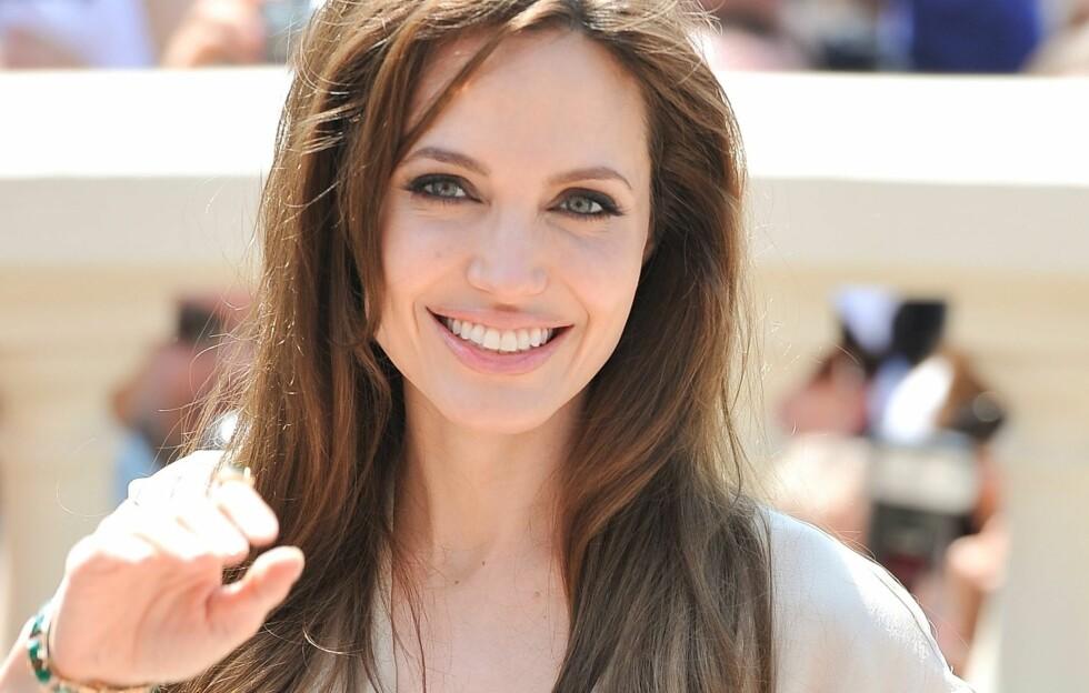 BEST KLEDD: Angelina Jolie best kledd akkurat nå, ifølge brukerne av KK.no sin motetjeneste Trendtoppen. Foto: All Over Press
