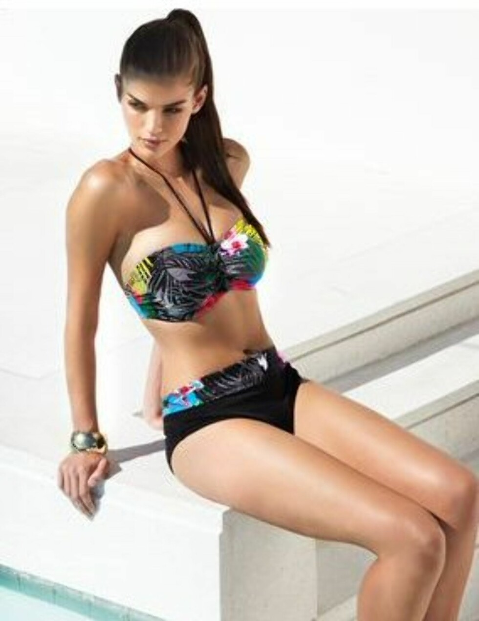 Bandeau-bikini fra Sophina til 50 pund hos Figleaves.co.uk. Foto: Produsentene