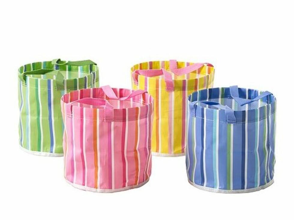 Stilige poser fra ikea som egentlig er en potte. Disse gir raskt litt farge til uteplassen din (Ikea, kr 9). Foto: Ikea.no