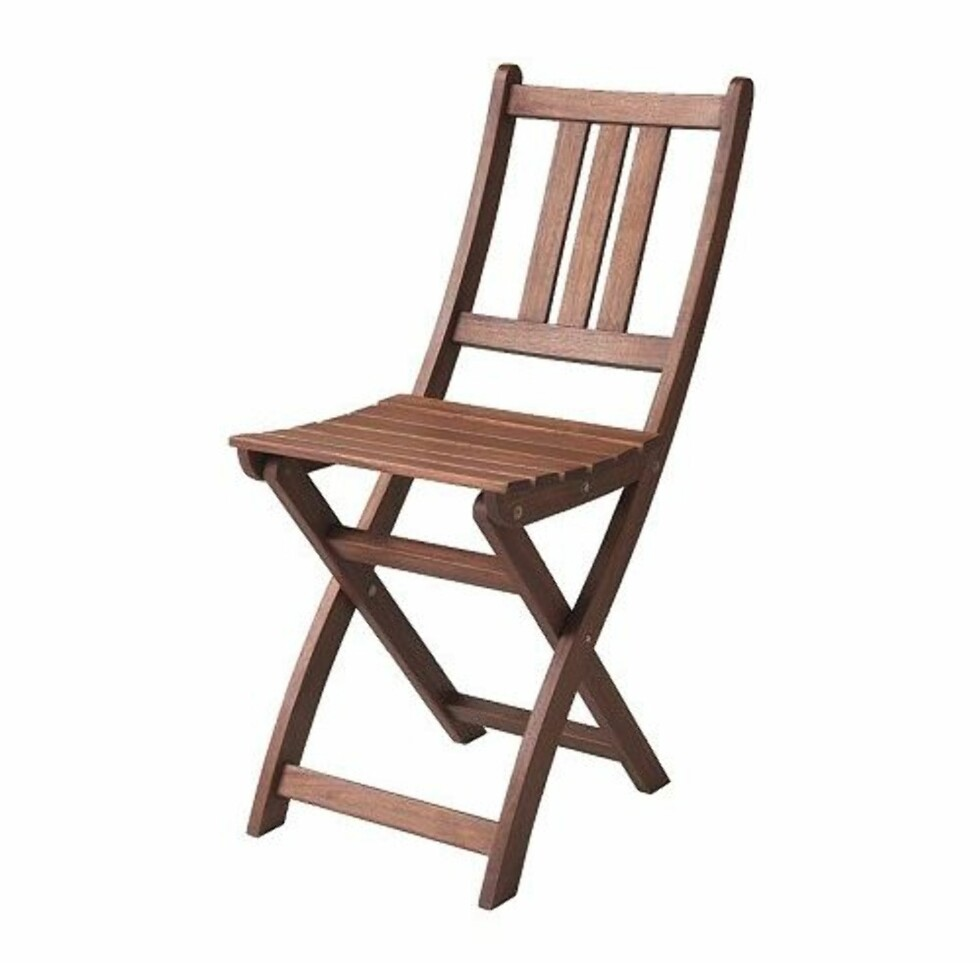 Klappstol i tre. Enkel og legge bort og veldig dekorativ (Ikea, kr 229). Foto: Ikea.no