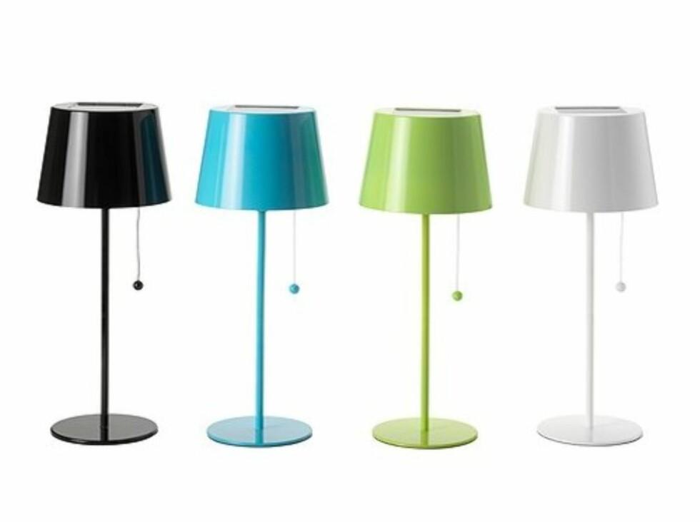 Selv om uteplassen kanskje ikke er best egnet for lamper er disse solcelledrevet og kan fint stå ute (kr 229, Ikea). Foto: Ikea.no